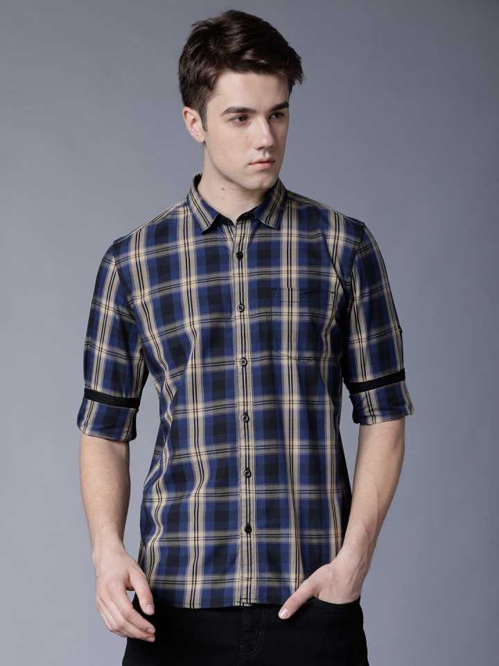 Men Checkered Casual Cut Away Shirt